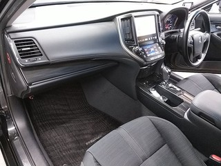 Import and buy TOYOTA CROWN 2013 from Japan to Nairobi, Kenya