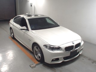 Import and buy BMW 5 SERIES 2016 from Japan to Nairobi, Kenya
