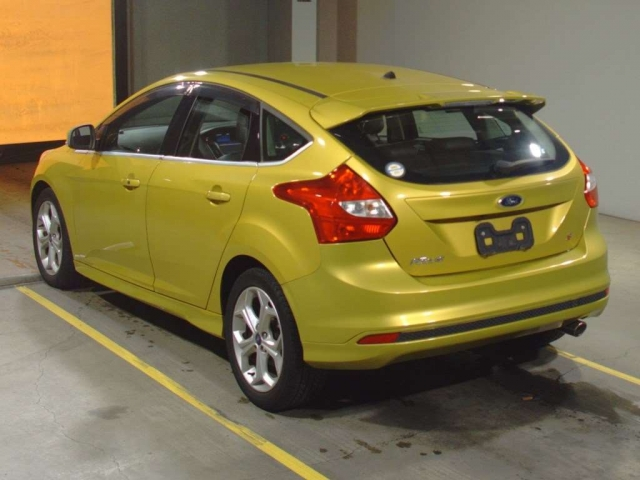 Import and buy FORD FOCUS 2014 from Japan to Nairobi, Kenya