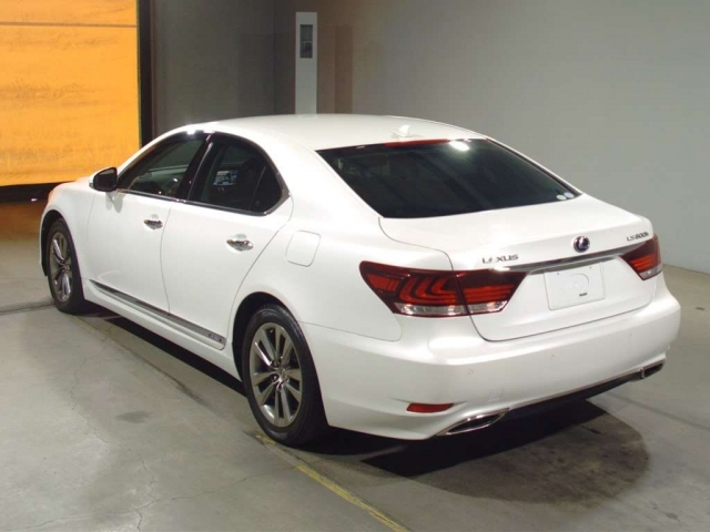 Import and buy LEXUS LS 2013 from Japan to Nairobi, Kenya