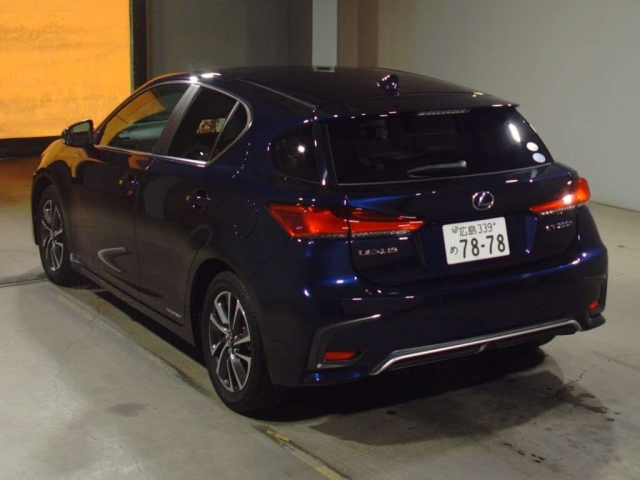 Import and buy LEXUS CT 2018 from Japan to Nairobi, Kenya