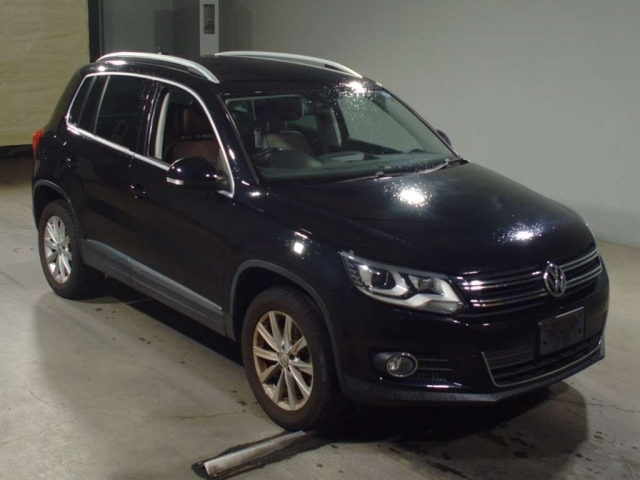 Import and buy VOLKSWAGEN TIGUAN 2013 from Japan to Nairobi, Kenya