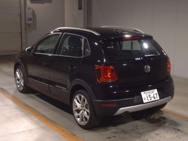Import and buy VOLKSWAGEN CROSS POLO 2017 from Japan to Nairobi, Kenya