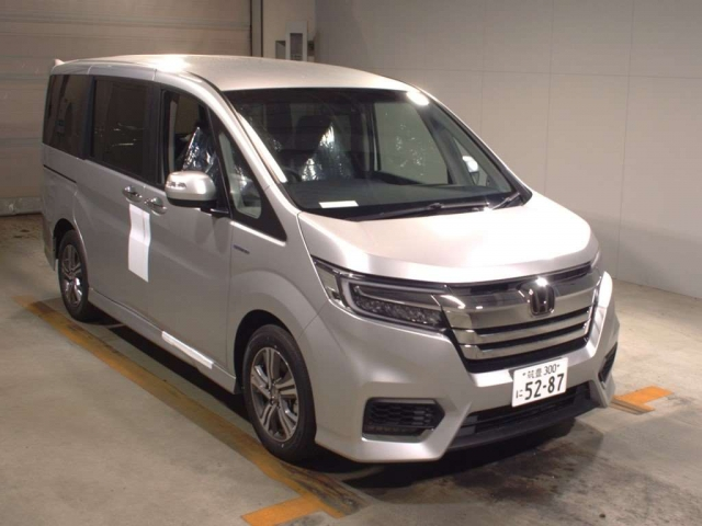 Import and buy HONDA STEP WAGON 2018 from Japan to Nairobi, Kenya