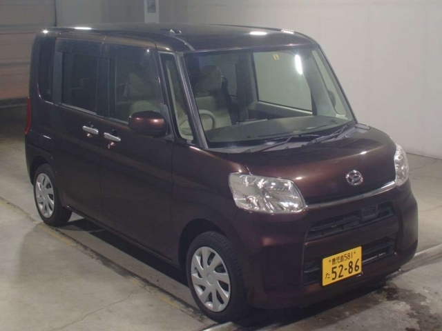 Import and buy DAIHATSU TANTO 2015 from Japan to Nairobi, Kenya