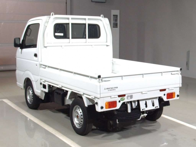Import and buy MITSUBISHI MINICAB TRUCK 2018 from Japan to Nairobi, Kenya