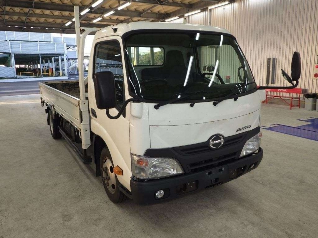 Import and buy HINO DUTORO 2015 from Japan to Nairobi, Kenya