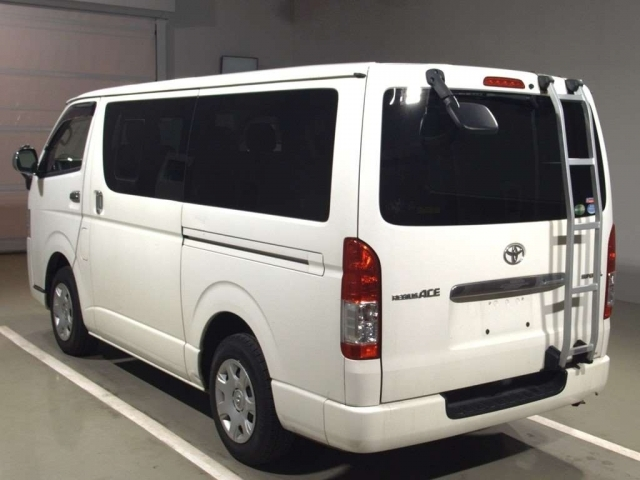 Import and buy TOYOTA REGIUS ACE VAN 2014 from Japan to Nairobi, Kenya