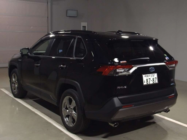 Import and buy TOYOTA RAV4 2020 from Japan to Nairobi, Kenya