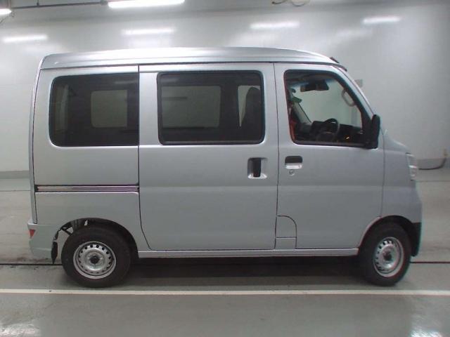 Import and buy DAIHATSU HIJET VAN 2020 from Japan to Nairobi, Kenya