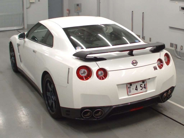 Import and buy NISSAN GT-R 2014 from Japan to Nairobi, Kenya