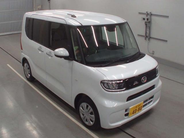 Import and buy DAIHATSU TANTO 2020 from Japan to Nairobi, Kenya