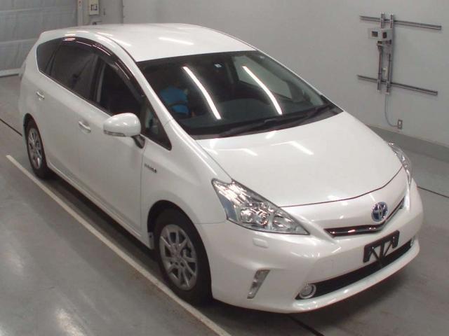 Import and buy TOYOTA PRIUS ALPHA 2014 from Japan to Nairobi, Kenya