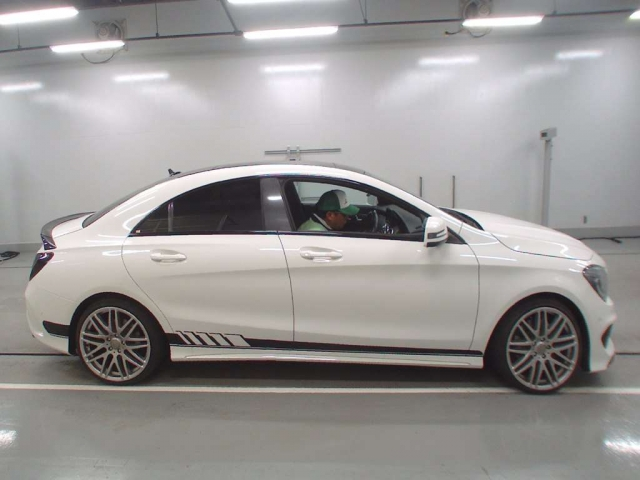 Import and buy MERCEDES BENZ CLA CLASS 2013 from Japan to Nairobi, Kenya
