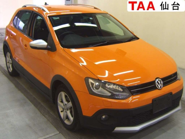 Import and buy VOLKSWAGEN CROSS POLO 2013 from Japan to Nairobi, Kenya