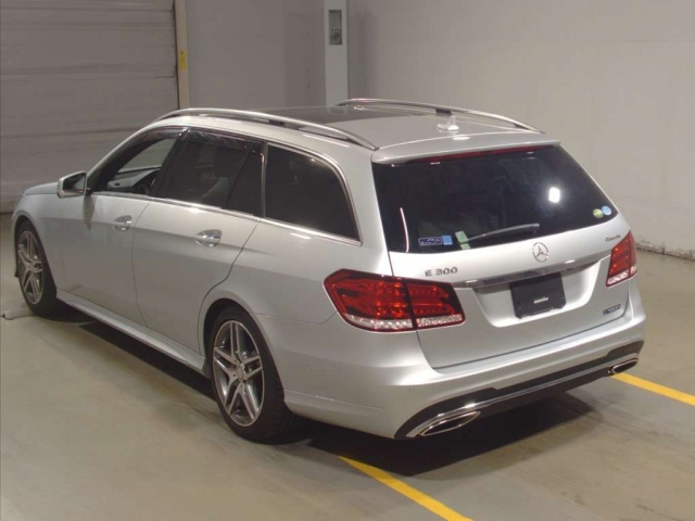 Import and buy MERCEDES BENZ E CLASS WAGON 2016 from Japan to Nairobi, Kenya
