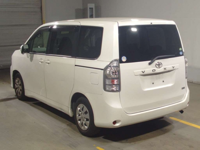 Import and buy TOYOTA VOXY 2013 from Japan to Nairobi, Kenya
