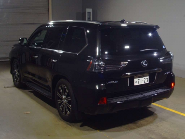 Import and buy LEXUS LX 2019 from Japan to Nairobi, Kenya