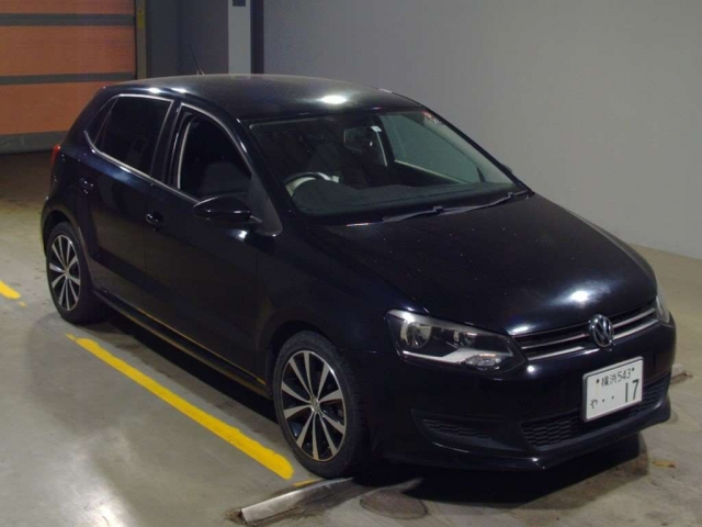 Import and buy VOLKSWAGEN POLO 2013 from Japan to Nairobi, Kenya