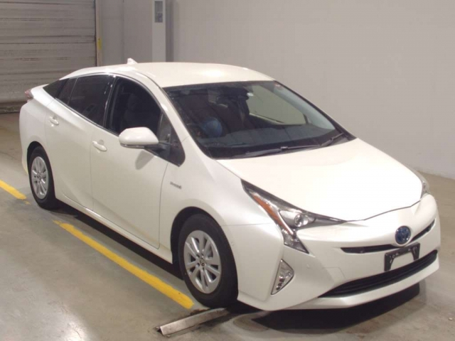 Import and buy TOYOTA PRIUS 2017 from Japan to Nairobi, Kenya