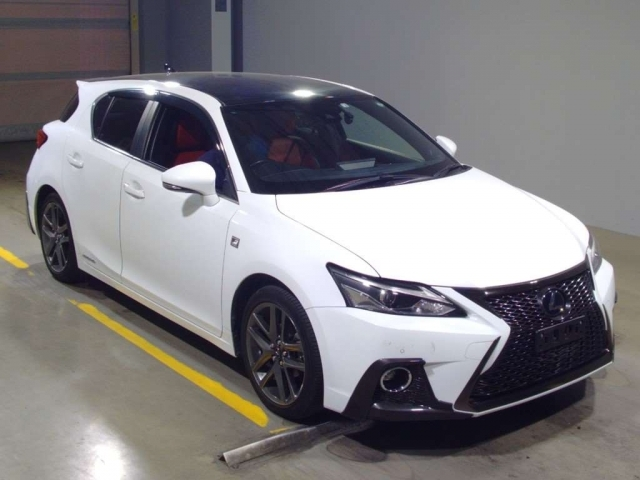 Import and buy LEXUS CT 2018 from Japan to Nairobi, Kenya