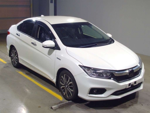 Import and buy HONDA GRACE 2017 from Japan to Nairobi, Kenya