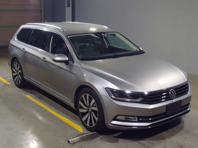 Import and buy VOLKSWAGEN PASSAT VARIANT 2016 from Japan to Nairobi, Kenya