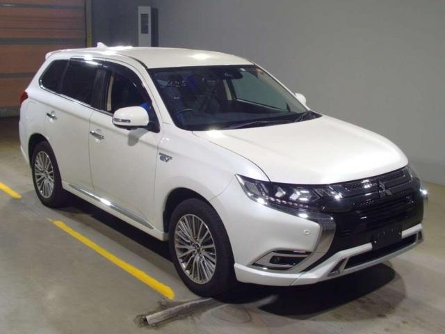 Import and buy MITSUBISHI OUTLANDER PHEV 2020 from Japan to Nairobi, Kenya