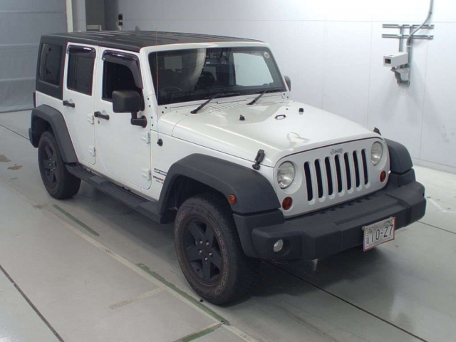 Import and buy CHRYSLER JEEP WRANGLER 2013 from Japan to Nairobi, Kenya