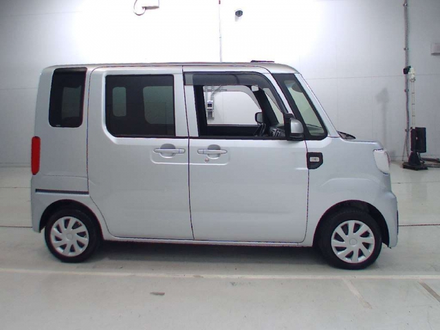 Import and buy DAIHATSU HIJET CADDIE 2017 from Japan to Nairobi, Kenya