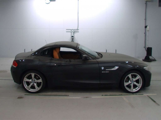 Import and buy BMW Z4 2013 from Japan to Nairobi, Kenya