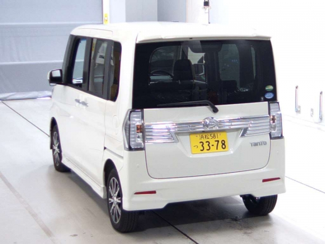 Import and buy DAIHATSU TANTO 2018 from Japan to Nairobi, Kenya