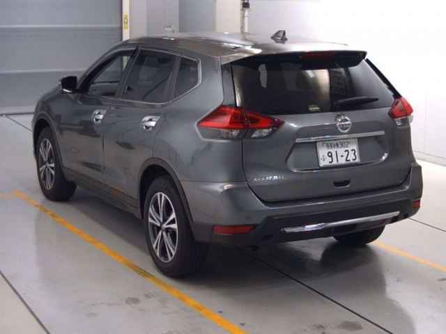Import and buy NISSAN X-TRAIL 2019 from Japan to Nairobi, Kenya
