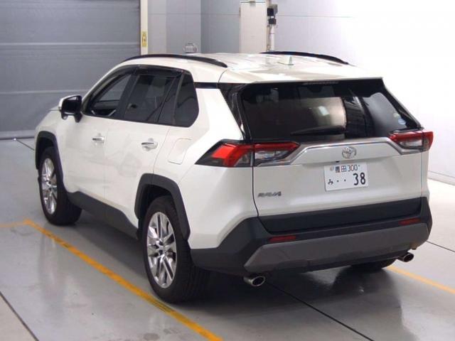 Import and buy TOYOTA RAV4 2019 from Japan to Nairobi, Kenya