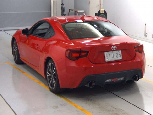 Import and buy TOYOTA 86 2015 from Japan to Nairobi, Kenya