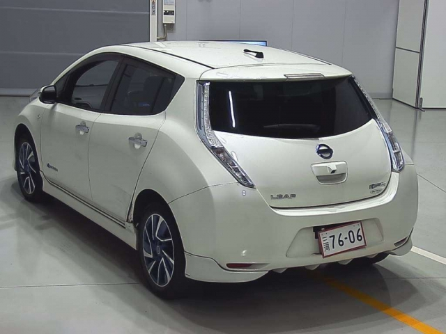 Import and buy NISSAN LEAF 2014 from Japan to Nairobi, Kenya