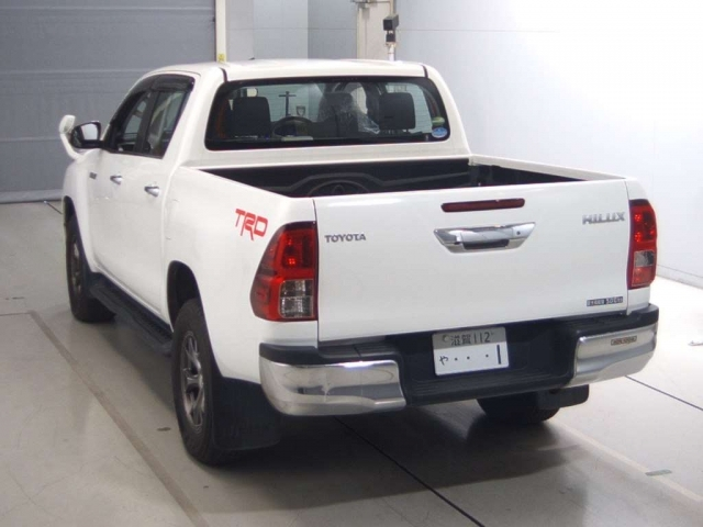 Import and buy TOYOTA HILUX 2017 from Japan to Nairobi, Kenya