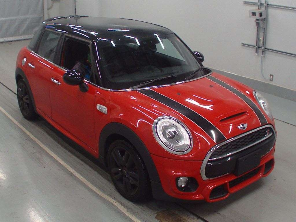 Import and buy MINI OTHER 2015 from Japan to Nairobi, Kenya
