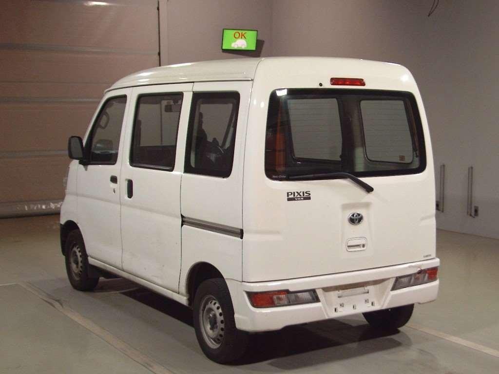 Import and buy TOYOTA PIXIS VAN 2017 from Japan to Nairobi, Kenya