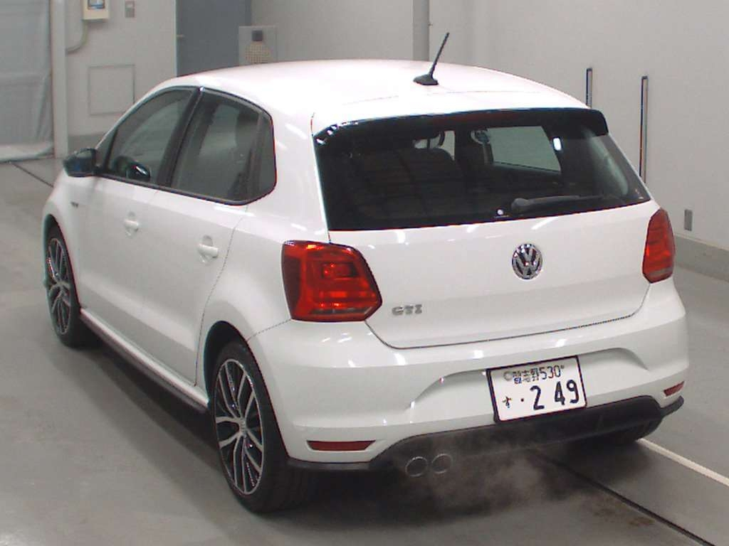 Import and buy VOLKSWAGEN POLO GTI 2015 from Japan to Nairobi, Kenya