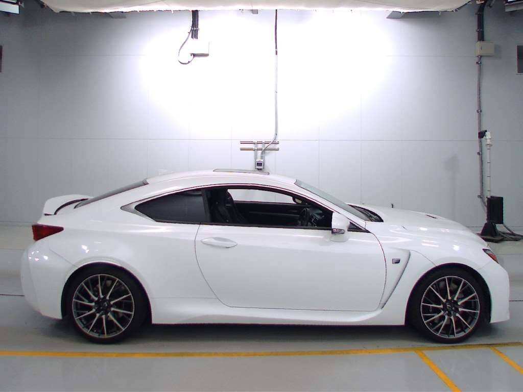 Import and buy LEXUS RC F 2014 from Japan to Nairobi, Kenya