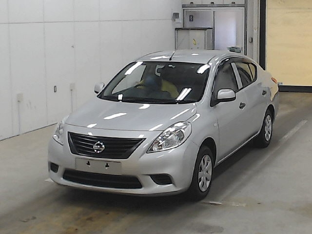Import and buy NISSAN TIIDA LATIO 2014 from Japan to Nairobi, Kenya