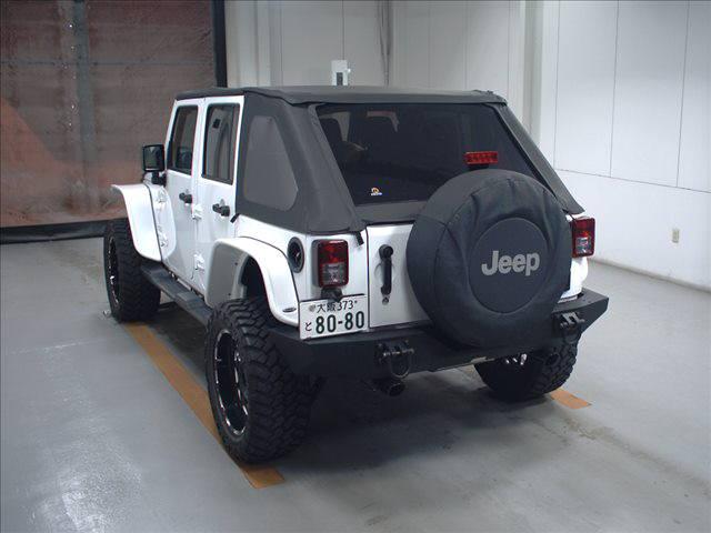 Import and buy JEEP WRANGLER 2015 from Japan to Nairobi, Kenya