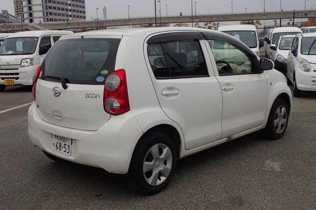 Import and buy DAIHATSU BOON 2013 from Japan to Nairobi, Kenya