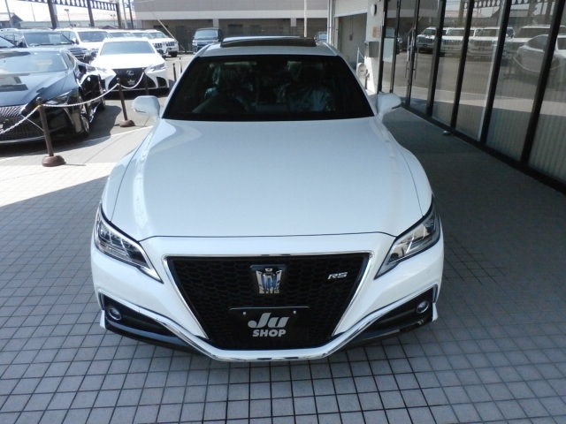Buy/import TOYOTA CROWN (2018) to Kenya from Japan auction