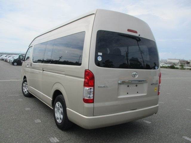 Import and buy TOYOTA HIACE 2018 from Japan to Nairobi, Kenya