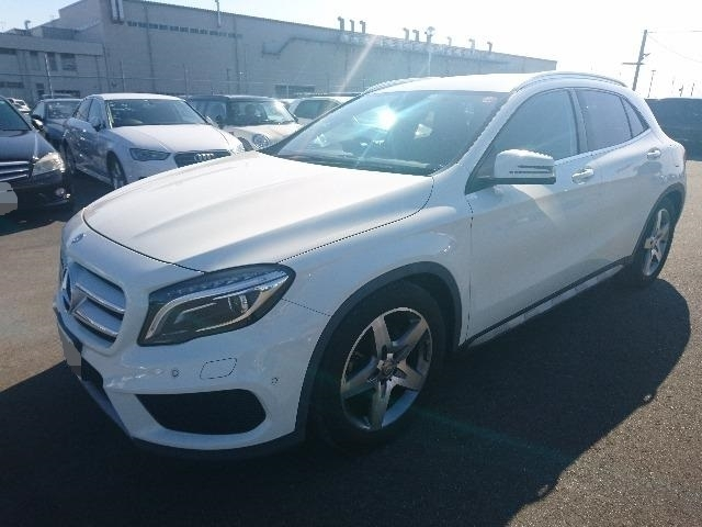 Import and buy MERCEDES BENZ GLA CLASS 2014 from Japan to Nairobi, Kenya