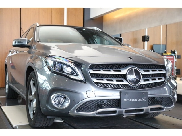 Import and buy MERCEDES BENZ GLA CLASS 2019 from Japan to Nairobi, Kenya