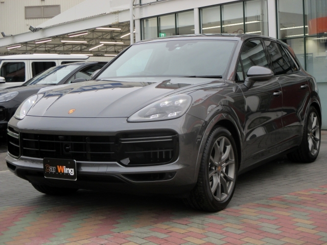 Import and buy PORSCHE CAYENNE 2019 from Japan to Nairobi, Kenya