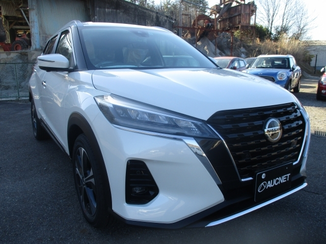 Import and buy NISSAN KIX 2021 from Japan to Nairobi, Kenya